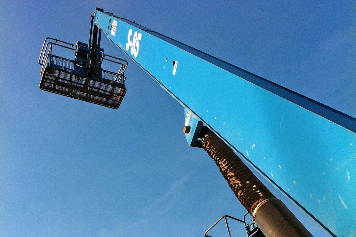High rise blue auger and crane