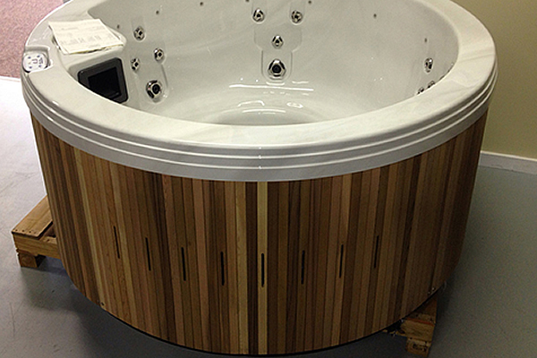 Round hot tub on display at Marysville Hot Tubs.
