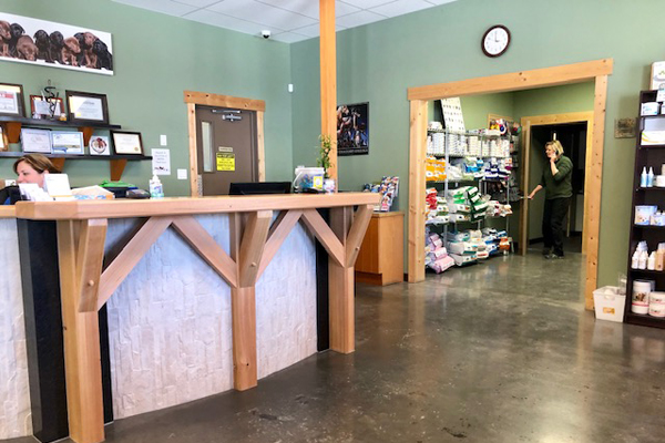 Tanglefoot Veterinary Services Reception area.